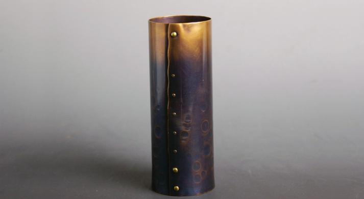 銅器 花入 紫 筒形鋲止