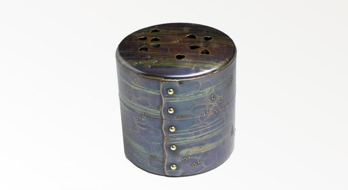 燕三条 鎚起銅器 西片正の鋲止茶筒